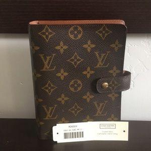 Authentic Louis Vuitton Medium Ring Agenda Cover
